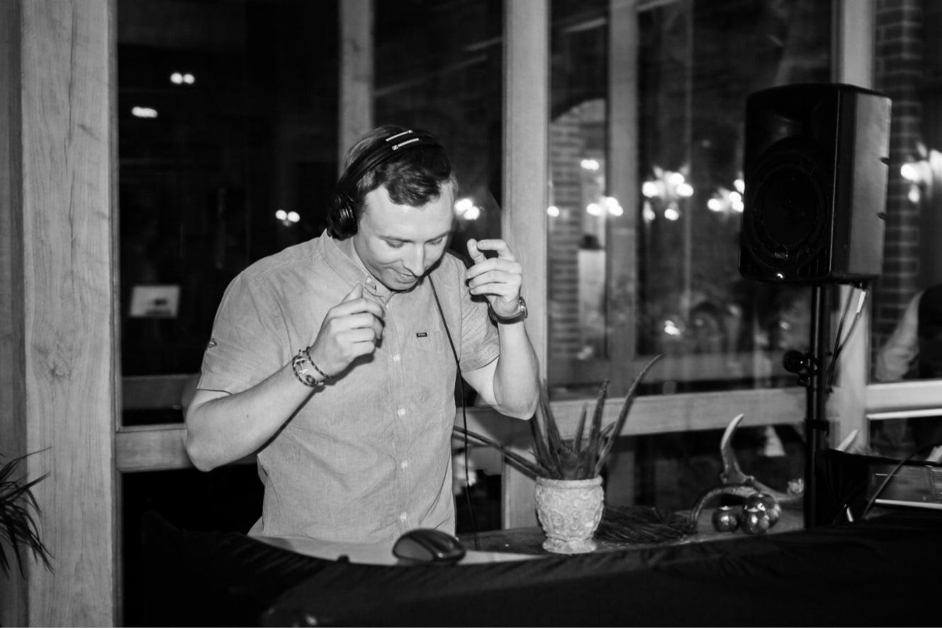 Photo à propos de DJ Mariages & Events